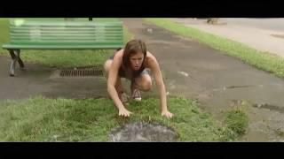 Смотреть онлайн Жесткий розыгрыш: Ребенок прыгает в колодец