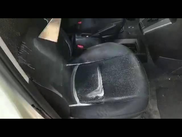 ניקוי ריפודים לרכב