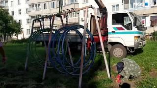 Демонтаж качелей на детской площадке в Краснообске