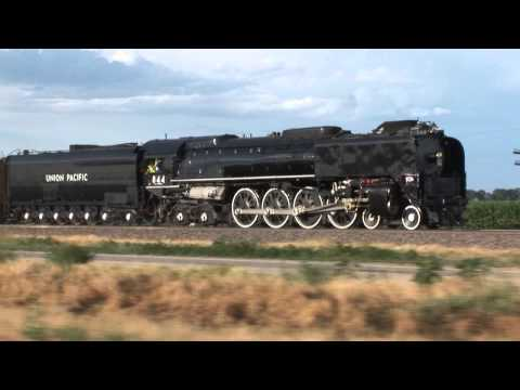 Lionel Articulated 4-8-8-4 Big Boy steam locomotive  Largest