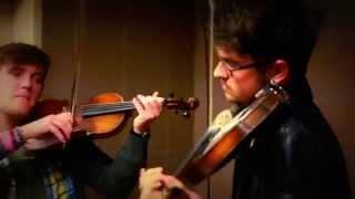 Уличные скрипачи
