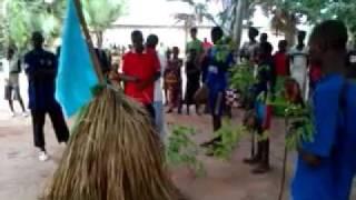 Verwelkoming van Samay en Kumpo in Bagaya