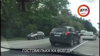 Серьёзное ДТП с опрокидыванием в Киеве на Гостомельской трассе: неподалёку от КП водитель автомобиля