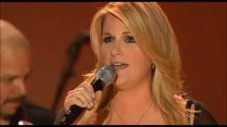 Trisha Yearwood - She's in Love with the Boy [ Live ]