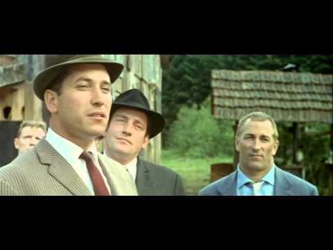 Les Grandes Gueules (1965) - Je marche pas dans vos combines