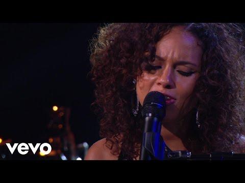 Sure Looks Good To Me Lyrics – Alicia Keys