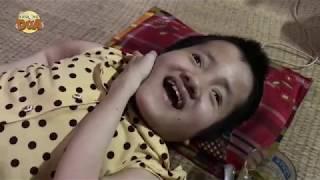 Cô bé xương thủy tinh vui mừng vì được giúp đỡ tiền mua tivi, mơ ước thành hiện thực!!!