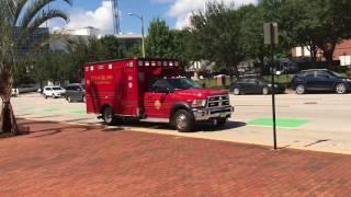 Человеку стало плохо на улице Скорая и пожарная помощь в США 07.2017 Орландо Флорида гей Америка