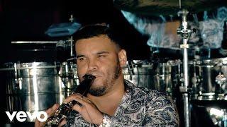 Banda Carnaval - El Coyotito Medley (En Vivo)