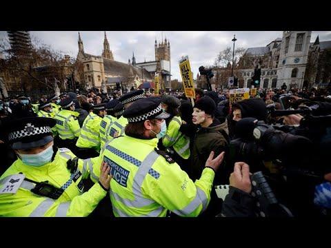 Βρετανία: Διαδηλώσεις κατά του νομοσχεδίου για τις κινητοποιήσεις…