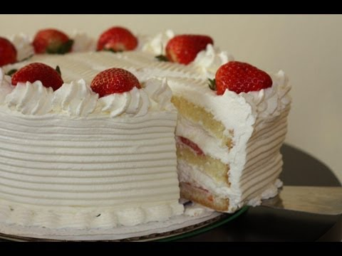 Video White cake with strawberries recipe and decoration