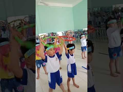 Tiết dạy vận động: bò dích dắc qua 7 điểm - Lớp Lá B (GV Nguyễn Thị Loan Thảo)