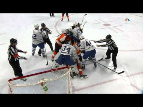 Gotta See It: Reimer doesn't take kindly to Flyers crashing net