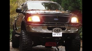 OMG! JACKED UP MUD TRUCK CAB RIDE ~ INSANE TIRE NOISE AND CRAZY EXHAUST ~37 INCH MUDDERS