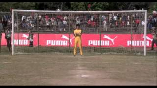Bruce lee goal keeper