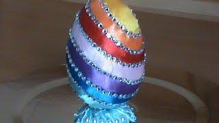 Радужное пасхальное яйцо.