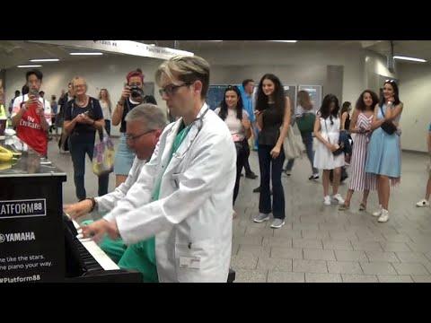 mp4 Doctors Queen Street, download Doctors Queen Street video klip Doctors Queen Street