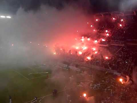 """recibimiento ldu final sudamericana 2011.3GP"" Barra: Muerte Blanca • Club: LDU"