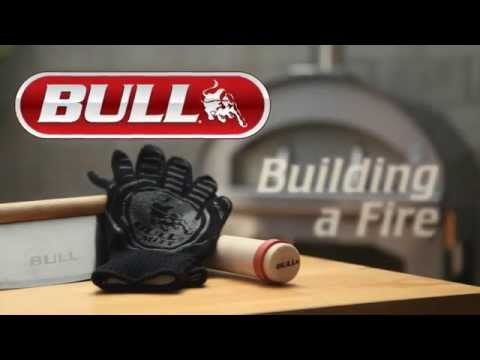 Bull Pizza Oven - Building a Fire