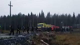 #Шиес блокирован. Топливо в лагерь ЧОП доставили при помощи силовиков.