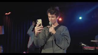 Alec Benjamin - Water Fountain (Live in Cologne 07.02.2019 Blue Shell)