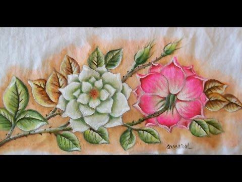 Rosas com folhas