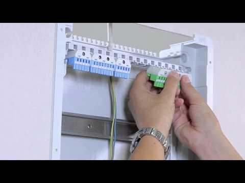 Werkzeuglose Montage im Stromkreisverteiler UK500
