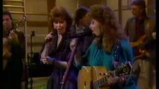 The Judds - Cry Myself To Sleep