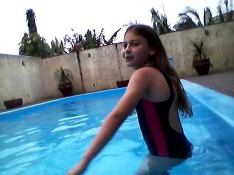 Vlog:Desafio da piscina:Dia frio água fria(ft:Marcela:Miga)