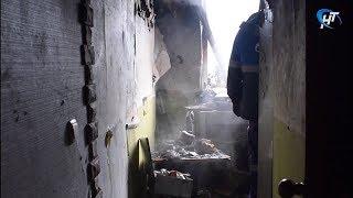 Огонь вспыхнул в одной из квартир в доме на Техническом проезде