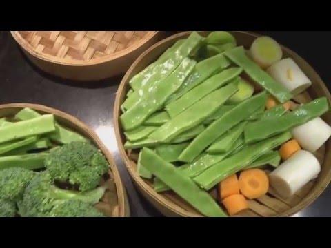 Cómo usar una vaporera de bambú