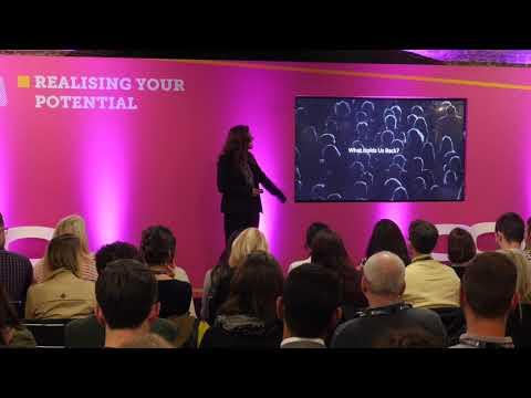 Grace under pressure: A masterclass in public speaking