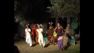 """""""טרופותי"""" (לפי ספרה של ג'וליה דולנדסון) 2005(1 סרטונים)"""