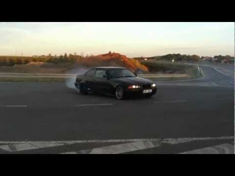 BMW 325i burnout