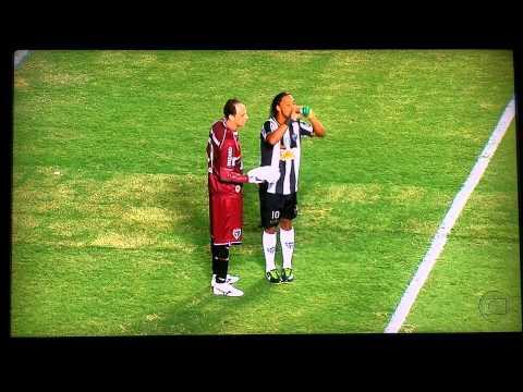 Vờ xin nước uống, Ronaldinho