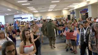 Troops At DFW May 13 2011