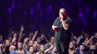 Luke Combs When It Rains It PoorsMust've Never Met You @Thompson Boling Knoxville, 15 February 2019