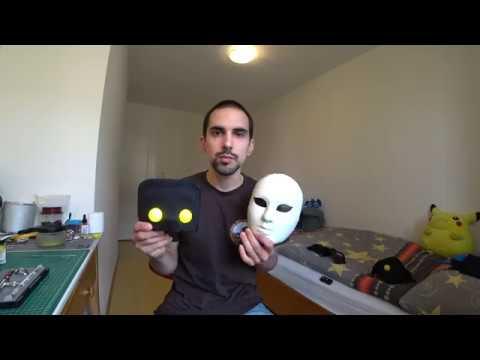 Die Maske für die Person mit perepelinymi von den Eiern für die kombinierte Haut