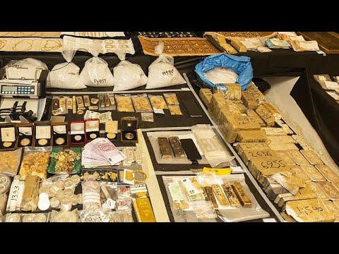 Απολογούνται οι κατηγορούμενοι για το κύκλωμα λαθρεμπορίας χρυσού…
