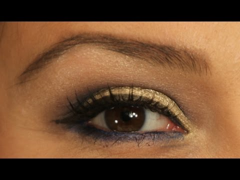 How To: Gold and Navy Bold Eye Makeup Look For New Year's Eve