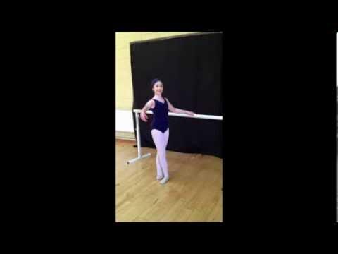 Schmerzen in der rechten Seite der Frauen mit Auswirkungen im rechten Beine und Gesäß