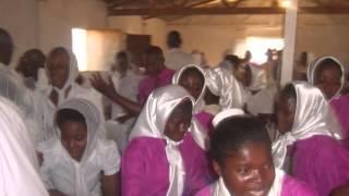 preview picture of video 'Grupo Coral 25 de Julho no Uíje na Província do Uíje, em destaque com o Kana Konga'