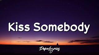 Julie Bergan, Seeb - Kiss Somebody (Lyrics) - YouTube