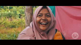 preview picture of video 'Ngocok perut Pagi di Borneo Hammockers,Tayan Hilir, Indonesia'
