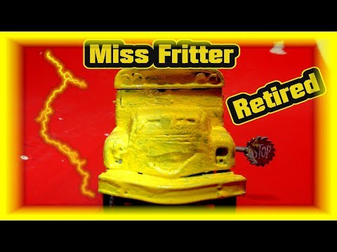 OMG MISS FRITTER GETS HORNS REMOVED | Pixar Cars 3