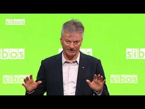 Steve Waugh speaking at SIBOS 2018