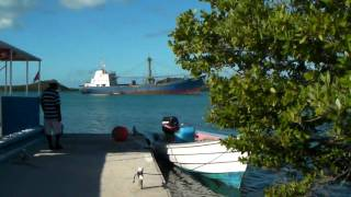 preview picture of video 'Antigua - Seaton's Village To Stingray City - Dock And Boats (file 3)'