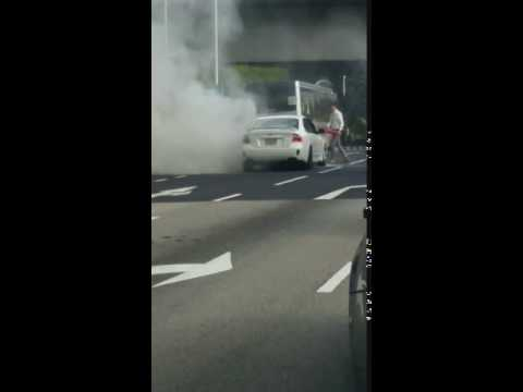 Bus Captain Assists To Put Out Car Fire Along Farrer Road