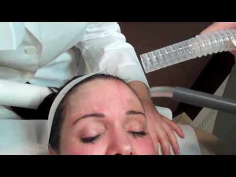 Face mask sa isang uri ng bulaklak