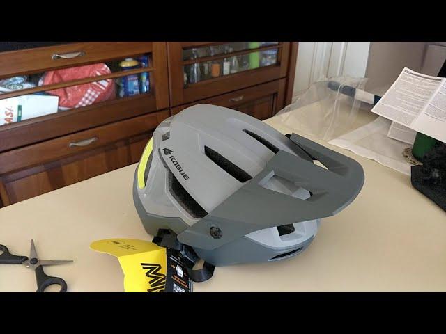 Видео Шлем Bluegrass Rogue Core MIPS Black Iridescent (matt/glossy)
